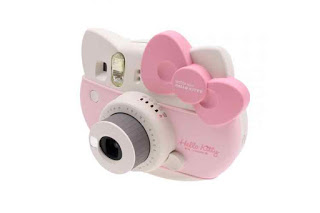 hello-kitty-fujifilm-instax-camera